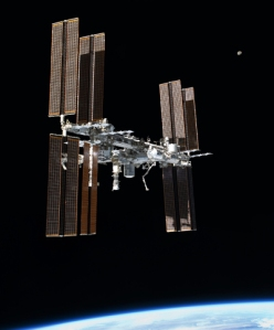 ISS_Earth_and_Moon
